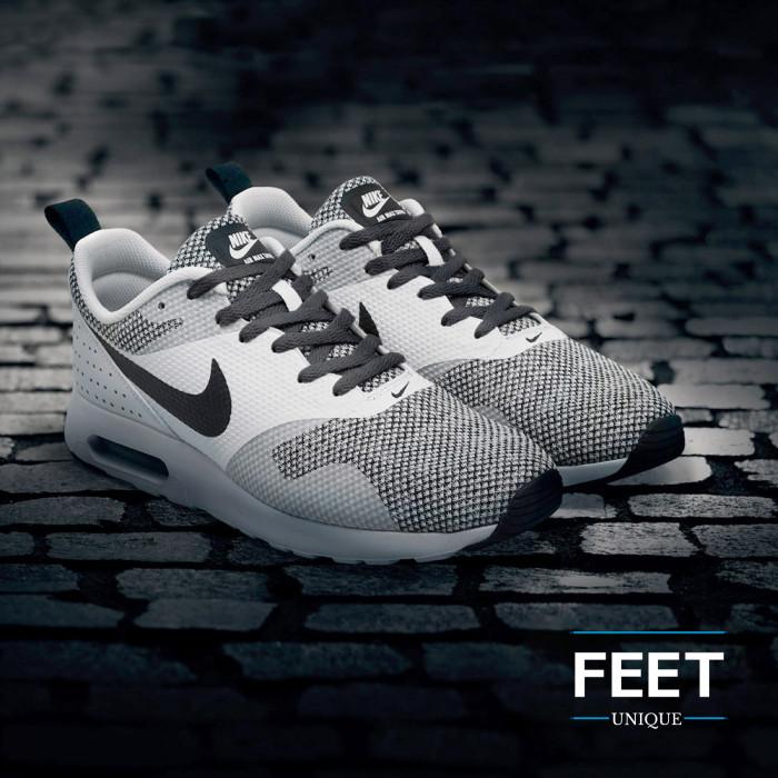 Flat dark grey shoelaces